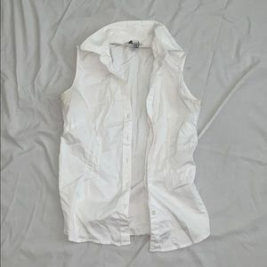 Simple white vest shirt
